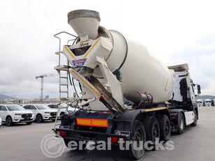 BETAMIX betonkeverő félpótkocsi